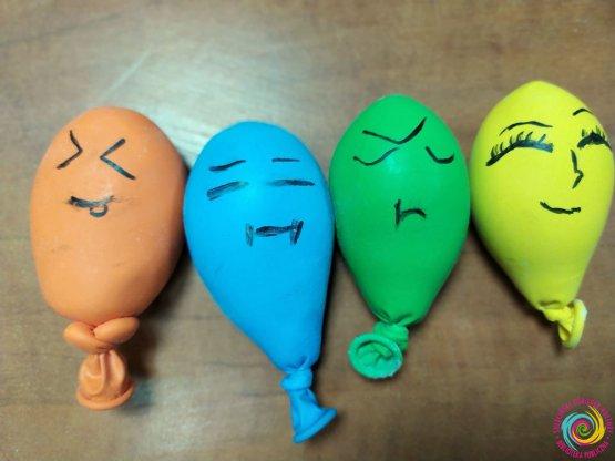 """""""Gniotki"""" sensoryczne z balonów - warsztaty manualno-kreatywne w SOK"""